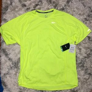 NIKE UPF 40+ Running Shirt